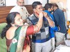 રાજકોટ જિલ્લા પંચાયતના કારોબારી સમિતિના ચેરમેન પદે ભાનુબેન તળપદાની નિમણૂંક, મોટાભાગના નેતાઓએ દાઢી પર માસ્ક રાખ્યું, નિયમોનો ઉલાળ્યો રાજકોટ,Rajkot - Divya Bhaskar