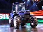 આજે ભારતનું પહેલું CNG ટ્રેક્ટર લોન્ચ થશે, ખેડૂતોનો ખર્ચ ઘટાડવાની સાથે આવક વધારવામાં મદદ કરવાની સાથોસાથ લાખો રૂપિયા બચાવશે|ઓટોમોબાઈલ,Automobile - Divya Bhaskar