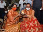 મુખ્યમંત્રી વિજય રૂપાણીએ પત્ની અંજલિ રૂપાણી સાથે અંબાજીના દર્શન કરી ગુજરાતના વિકાસ માટે પ્રાર્થના કરી|અંબાજી,Ambaji - Divya Bhaskar