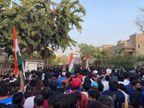 અંગ્રેજો સામેની મેચ જોવા હજારોએ સ્ટેડિયમમાં 'કૂચ' કરી સોશિયલ ડિસ્ટન્સ-માસ્કનો કાયદો તોડ્યો|અમદાવાદ,Ahmedabad - Divya Bhaskar
