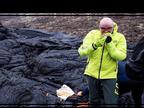 વૈજ્ઞાનિકોએ જ્વાળામુખીના ગરમ લાવા પર હોટડોગ ગ્રિલ કરીને ખાધું|લાઇફસ્ટાઇલ,Lifestyle - Divya Bhaskar