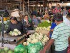 કાલુપુર શાક માર્કેટ બની શકે છે સુપર સ્પ્રેડર, વેપારીઓ માસ્ક, સોશિયલ ડિસ્ટન્સ વિના બેફામ|અમદાવાદ,Ahmedabad - Divya Bhaskar
