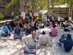 રાજકોટના બેડલામાં વિદ્યાર્થીઓ પાસે કાળી મજૂરી કરાવનાર આચાર્ય અને શિક્ષકની બદલીનો વિરોધ, શિક્ષક સંઘ મેદાને આવ્યું|રાજકોટ,Rajkot - Divya Bhaskar