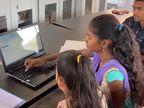 ધરમપુરના અંતરિયાળ વિસ્તારમાં બે શિક્ષકોએ કર્યું ઉમદા કાર્ય, આદિવાસી વિસ્તારના બાળકોને આપી રહ્યાં છે વિનામૂલ્યે કોમ્પ્યુટર શિક્ષણ|વલસાડ,Valsad - Divya Bhaskar