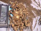 તેલંગાણામાં જમીનનું ખોદકામ દરમિયાન માલિકને સોના-ચાંદીનાં ઘરેણાં ભરેલો ઘડો મળ્યો|લાઇફસ્ટાઇલ,Lifestyle - Divya Bhaskar