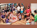 રાજકોટમાં 22 લોકોના પરિવારમાં 1થી 68 વર્ષના 15 સભ્ય એકસાથે સંક્રમિત, પરસ્પરની હૂંફ અને હકારાત્મકતાથી સાથે મળીને કોરોનાને હરાવ્યો રાજકોટ,Rajkot - Divya Bhaskar