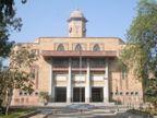 ગુજરાત યુનિવર્સિટીના લો વિભાગની ઓફલાઇન પરીક્ષા 10 જૂનથી ચાલુ થશે, એમ.ફાર્મની ઓનલાઇન પરીક્ષા 3 જૂનથી લેવાશે|અમદાવાદ,Ahmedabad - Divya Bhaskar