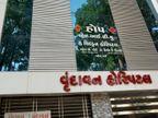 સુરતમાં ફાયર સેફ્ટીની અપૂરતી સુવિધાને લઈ વધુ 18 હોસ્પિટલો અને 1 કોમર્શિયલ એકમ સીલ|સુરત,Surat - Divya Bhaskar