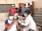 પાલનપુરમાં યુવાઓએ વહેલી સવારથી રસીકરણ કેન્દ્રો પર લાઈનો લગાવી|પાલનપુર,Palanpur - Divya Bhaskar