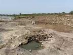 રાજકોટ જિલ્લાના કોટડા સાંગાણીમાં ખેડૂતો બન્યા ચિંતાતુર, તાલુકામાં 20 જેટલા ચેકડેમ બિસ્માર હાલતમાં,આમાં પાણી પહેલા પાળ કેમ બંધાશે રાજકોટ,Rajkot - Divya Bhaskar