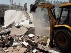અમદાવાદમાં નઝીર વોરા અને બકુખાનની ગેરકાયદે 20 કરોડ રૂપિયાની પ્રોપર્ટી પર બુલડોઝર ફરી વળ્યું|અમદાવાદ,Ahmedabad - Divya Bhaskar