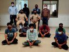 ગોંડલમાં મુથુટ ફિનકોર્પમાં ધાતુ પર સોનાની વરખ ચડાવી નકલી દાગીના પધરાવી 9 શખ્સે 22.60 લાખની લોન લઇ છેતરપિંડી કરી, 7 ઝડપાયા|રાજકોટ,Rajkot - Divya Bhaskar