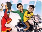 2 हजार रुपए के खुल्ले मांगे और गल्ला पर झपट्टा मारकर लूट ले गए नकदी, कुछ दूर खड़ी थी पुलिस|ग्वालियर,Gwalior - Dainik Bhaskar