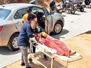 कागजी प्रक्रिया में गर्भवती को रोके रखा, कार में हुआ बच्ची का जन्म रांची,Ranchi - Dainik Bhaskar