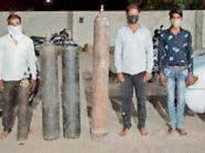 दो एंबुलेंस से 4 ऑक्सीजन सिलेंडर बेचने जाते तीन लोगों को गिरफ्तार किया|नीमच,Neemuch - Money Bhaskar