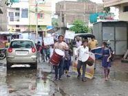 खंडवा में शिक्षक ढ़ोल-ताशे लेकर बच्चों के घरों तक गए, जुलूस के साथ बच्चों को लेकर स्कूल पहुंचे; मनाया प्रवेशोत्सव|खंडवा,Khandwa - Money Bhaskar