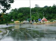 ડાંગ જિલ્લામાં અચાનક કમોસમી વરસાદ ખાબક્યો, ગિરિમથક સાપુતારા સહિત તળેટીના ગામોમાં ઠંડક પ્રસરી|સાપુતારા,Saputara - Divya Bhaskar