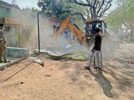 बगैर नाेटिस हटा रहे थे अतिक्रमण, दुकानदार ने किया विराेध ताे कर्मचारियाें ने मिलकर पीटा|छतरपुर (मध्य प्रदेश),Chhatarpur (MP) - Dainik Bhaskar