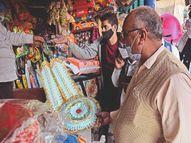 शादियाें के कम मुहूर्त हाेने के कारण 10 के नाेटाें की हजार वाली गड्डी बाजार में दलाल 1400 रुपए तक में दे रहे|पानीपत,Panipat - Dainik Bhaskar