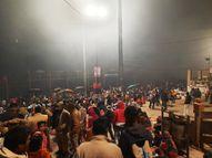 वाराणसी के घाटों पर मकर संक्रांति पर स्नान के लिए उमड़ा जनसैलाब, भगवान भास्कर से कोरोना मुक्ति की कामना वाराणसी,Varanasi - Dainik Bhaskar