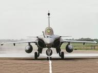 फ्लाईपास्ट में गरजेंगे राफेल, परेड में शामिल होंगे सुखोई, मिग समेत 42 विमान|देश,National - Dainik Bhaskar