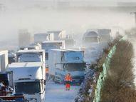 जापान में बर्फीले तूफान की वजह से विजिबिलिटी जीरो हुई, नेशनल हाईवे पर 134 वाहन टकराए|विदेश,International - Dainik Bhaskar