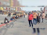 सड़क पर सत्तू खा ट्रक मालिकों ने बताया हड़ताल के कारण हैं भुखमरी के हालात|मुजफ्फरपुर,Muzaffarpur - Dainik Bhaskar