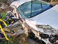 सोलन में इनोवा और ट्रक में आमने-सामने की टक्कर; हरियाणा के 2 युवकों की मौत, गाड़ी के परखच्चे उड़े|हिमाचल,Himachal - Dainik Bhaskar
