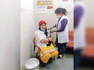 सिविल अस्पताल व निजी अस्पताल में 303 काे लगी वैक्सीन, उत्साहित दिखे हेल्थ वर्कर्स|बहादुरगढ़,Bahadurgarh - Dainik Bhaskar