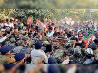 प्रदर्शन में पहुंचे 500 से अधिक भाजपाई लेकिन गिरफ्तारी मात्र 95 लोगों ने ही दी, बाकी लौट गए|कांकेर,Kanker - Dainik Bhaskar