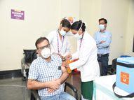 चाैथे दिन रायपुर और कोण्डागांव में 100 प्रतिशत स्वास्थ्यकर्मी टीका लगवाने पहुंचे, प्रदेश में 70 प्रतिशत से अधिक पहुंची टीकाकरण की दर|रायपुर,Raipur - Dainik Bhaskar