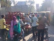 बिलासपुर में BJP का भूपेश सरकार के खिलाफ प्रदर्शन, बैरिकेडिंग ने रोका लोगों का रास्ता|बिलासपुर,Bilaspur - Dainik Bhaskar