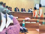 नगर निगम बोर्ड की बैठक दो महीने नहीं होने पर मेयर और पार्षदों में तीखी बहस, रोती हुई चैंबर में चली गईं मेयर|रांची,Ranchi - Dainik Bhaskar