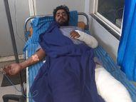 ओवरटेक कर कार रोकी और 10 गाड़ियों से आए लोगों ने जमकर पीटा, हवाई फायर कर युवती को ले गए|उज्जैन,Ujjain - Dainik Bhaskar