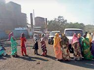फैक्ट्री में नहीं दी जाती न्यूनतम मजदूरी प्रदूषण से जल, जंगल, जमीन हो रहे बर्बाद|रामगढ़ (रांची),Ramgarh (Ranchi) - Dainik Bhaskar