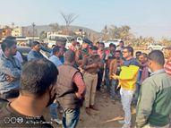 एनएच-33 बालीगुमा के पास हादसा, घर से कॉलेज जा रही पारा मेडिकल की छात्रा को ट्रेलर ने कुचला, मौत जमशेदपुर,Jamshedpur - Dainik Bhaskar