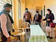 जिले में अब 500 लोगों को लगेगा टीका, दूसरी बार भी नहीं पहुंचे तो तीसरा मौका नहीं मिलेगा|नीमच,Neemuch - Dainik Bhaskar
