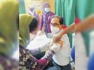 जिले में चाैथे दिन पांच सेंटर पर 510 पंजीकृत स्वास्थ्यकर्मियों में से 265 ने लगवाई वैक्सीन|पाली,Pali - Dainik Bhaskar