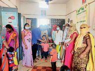बच्चों को पिलाया विटामिन ए का ड्रॉप|कुरूद,Kurud - Dainik Bhaskar