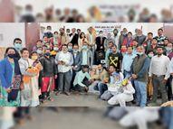 खेल व सामाजिक संस्था ने पश्चिमी सिंहभूम के डॉक्टर, नर्स, स्वास्थ्य कर्मी, नगर पालिका के कर्मचारियों को कोरोना वाॅरियर्स सम्मान से नवाजा चाईबासा,Chaibasa - Dainik Bhaskar