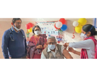 प्रथम चरण के 5वें दिन 55.63% वैक्सीनेशन, 509 हेल्थ वर्कर्स के लगे टीके, 21 डोज हुए खराब बाड़मेर,Barmer - Dainik Bhaskar