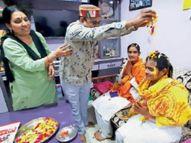 3500 किमी की नर्मदा परिक्रमा पर तीन बहनें, परिक्रमावासियों की सेवा करती हैं तीनों बहनें|बड़वाह,Badwah - Dainik Bhaskar