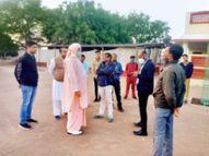फीस लेने के निर्णय पर एसडीएम ने दिया अल्टीमेटम|अशोकनगर,Ashoknagar - Dainik Bhaskar