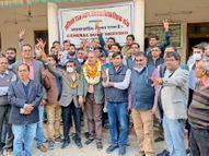 जयपुर में 300 से ज्यादा डॉक्टरों ने सर्वसम्मति से डॉ. ओला को अध्यक्ष व डाॅ. दुर्गाशंकर को महासचिव चुना सीकर,Sikar - Dainik Bhaskar