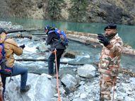 चमोली में आर्टिफिशियल झील के मुंहाने से हटाए गए टूटे पेड़, इसकी वजह से पानी का बहाव रुक गया था; कभी भी टूटने का डर था|देश,National - Dainik Bhaskar