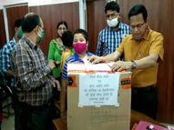 दोनों डोज लगवाने वाले लोगों को दिया जा रहा गिफ्ट; टीकाकरण को प्रोत्साहन देने के लिए सरकार ने उठाया ये कदम|लखनऊ,Lucknow - Dainik Bhaskar