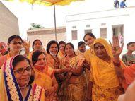 दोनों पार्टियों ने झोंकी ताकत, नजदीकी जिलों के पार्टी कार्यकर्ता भी कर रहे प्रचार, BJP से महिला मोर्चा तो कांग्रेस से सेवादल जुटी|सीकर,Sikar - Dainik Bhaskar