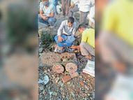 जेसीबी ने एयर वॉल्व तोड़ी, मरम्मत के बाद सप्लाई शुरू|सागर,Sagar - Dainik Bhaskar