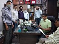 राजस्व मंडल सदस्यों के करीबी वकील शशिकांत जोशी के घर से मिले 51 लाख; पुरानी करंसी, सम्पति के दस्तावेज और नोट गिनने की मशीन तक बरामद|अजमेर,Ajmer - Dainik Bhaskar