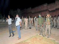 बाल बंदियाें के वार्डाें में 11 माेबाइल चाकू, 40 राॅड व खैनी-गुटखा मिले|धनबाद,Dhanbad - Dainik Bhaskar